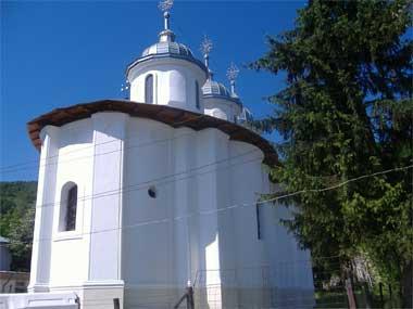 biserica-man-rachitoasa2