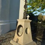 Mormantul lui Costache Negri din curtea Manastirii Raducanu