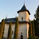 Runc Buhuşi Monastery